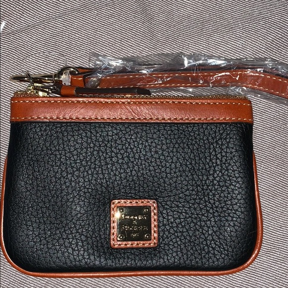 Dooney & Bourke Handbags - Small wristlet